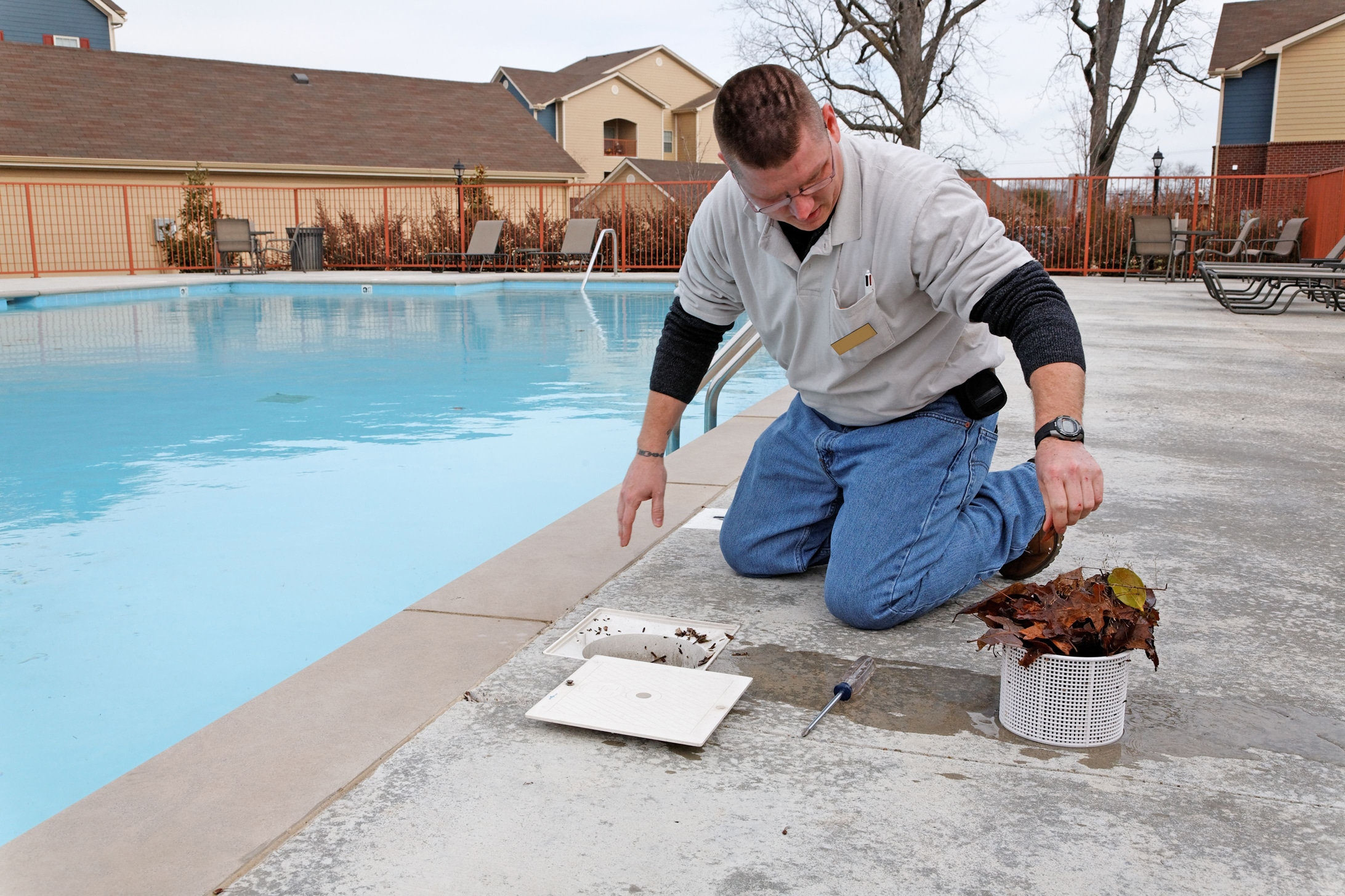 Why is it better to hire swimming pool service providers?