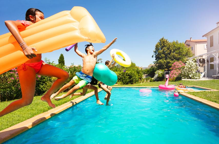 10 Pool Party Games to Try